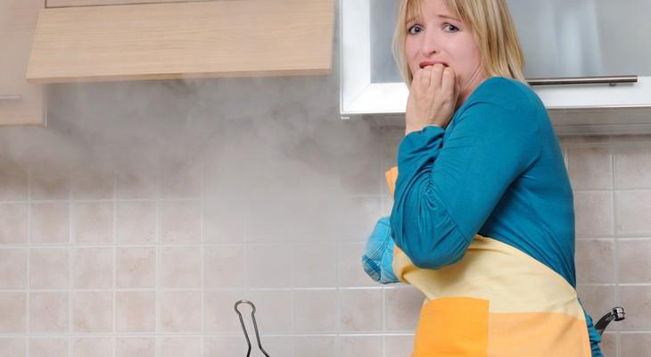 запах гари в квартире, как избавиться от запаха гари, избавиться от запаха гари в квартире, убрать запах гари, чем убрать запах гари в квартире, как вывести запах гари, средство от запаха гари